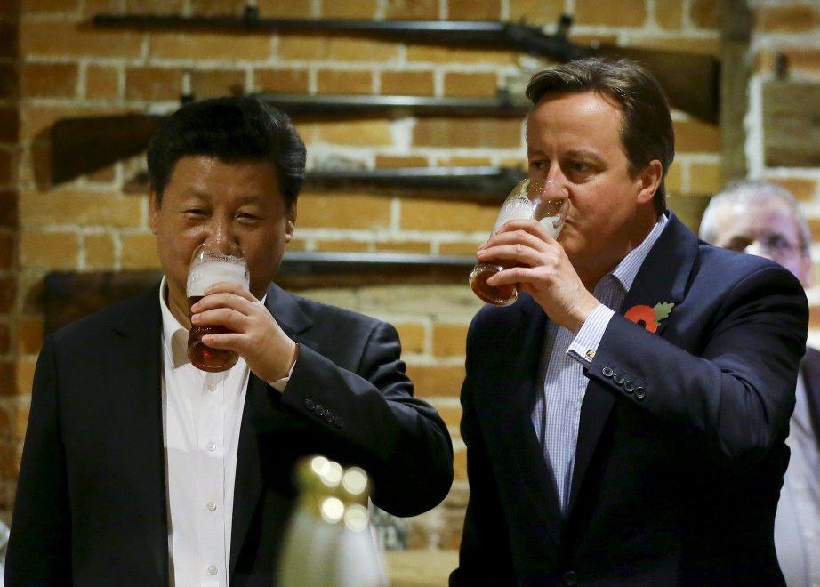 Vertice Gb-Cina tra birra e fish and chips: Cameron porta Xi Jinping al pub