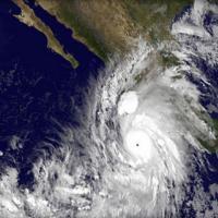 L'uragano Patricia sulla costa del Messico, le immagini da satellite