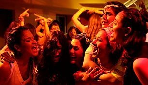 """Angry Indian Goddesses"" incanta la platea"