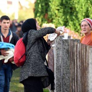 """Migranti, summit Ue. """"C'è rischio di nuova rotta Albania-Italia"""""""