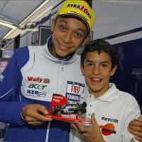 MotoGP, quando il giovane Marquez chiedeva una foto a Valentino Rossi
