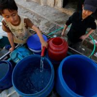 Aleppo, l'acqua che va e viene è come un miraggio e diventa un'altra arma