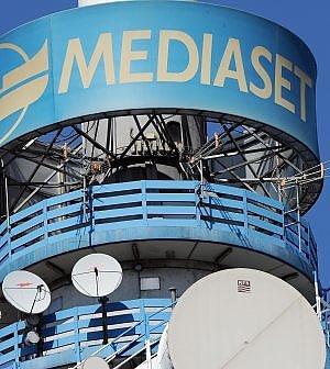 Mediaset porta la Champions sul satellite: l'ultima sfida per salvare la pay tv Premium