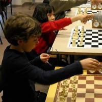 """A lezione di scacchi: """"Giocare con torri e re aiuta in matematica"""""""