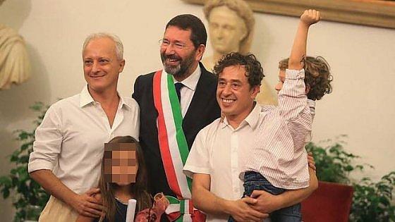 """Coppia gay: """"Sposati 5 volte, ma ora per legge italiana torniamo ad avere zero diritti"""""""