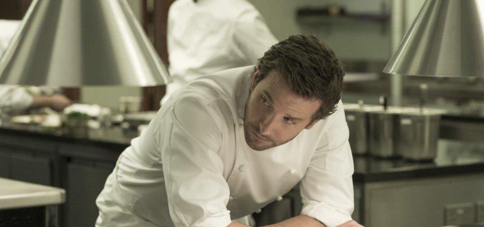 """Bradley Cooper, un cuoco a caccia della stella Michelin: """"Cucinare è terapeutico"""""""