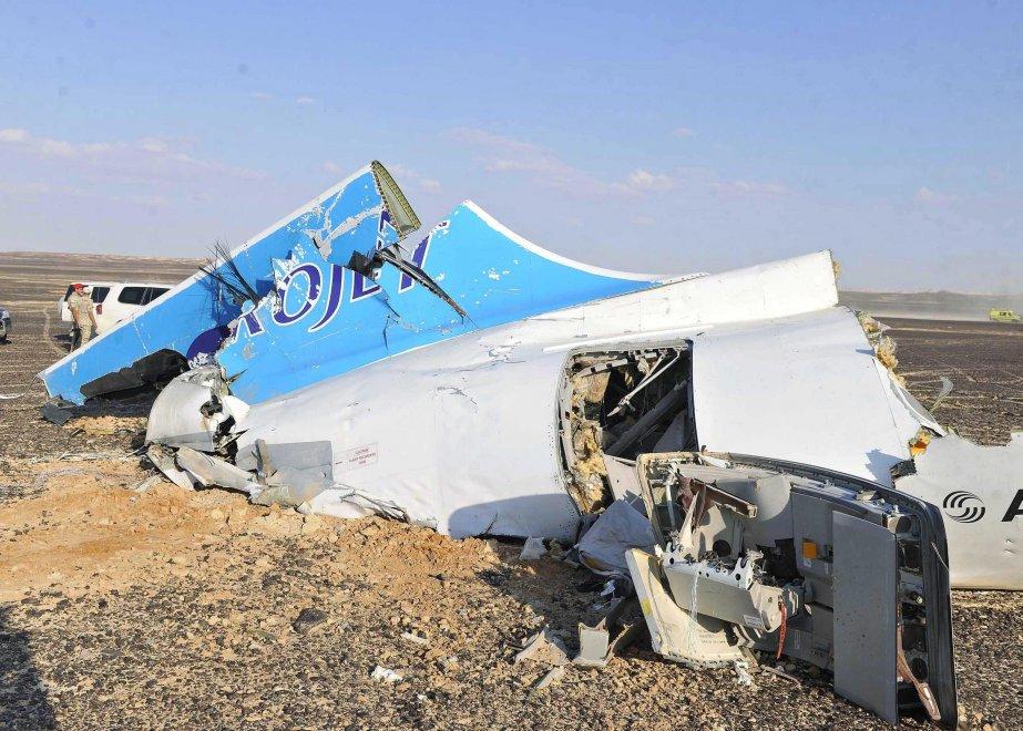 Aereo russo caduto, i rottami del velivolo nel Sinai