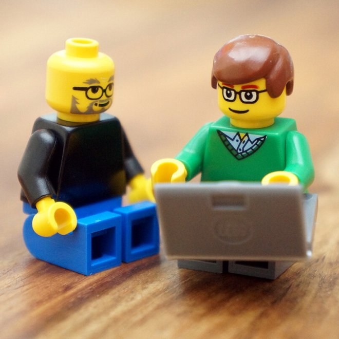 Zuckerberg, Jobs & Co. diventano personaggi Lego