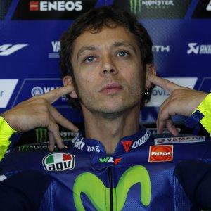 """MotoGp, il Tas dà torto a Rossi: a Valencia partirà ultimo. """"Ora è tutto più difficile, sono più deluso che arrabbiato"""""""