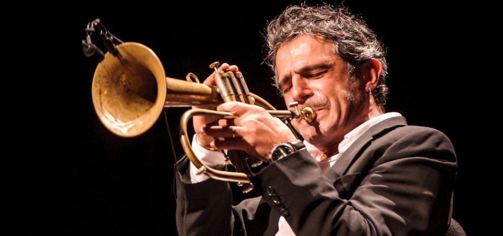 """Paolo Fresu, il Natale suona jazz: """"Ho bisogno di inventarmi sempre cose nuove"""""""