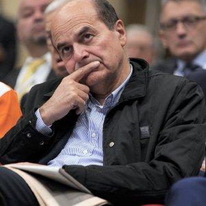 """Bersani: """"Chi se ne va sbaglia, senza Pd addio sinistra. Nella manovra errori ma anche del buono"""""""