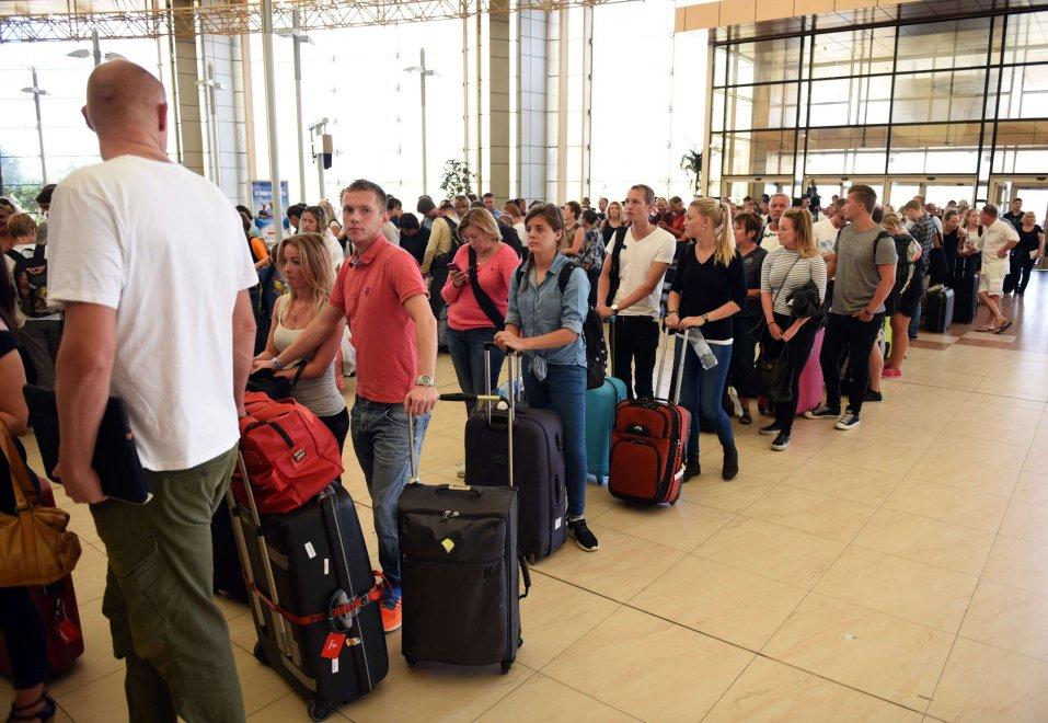 oltre 20mila turisti bloccati in aeroporto