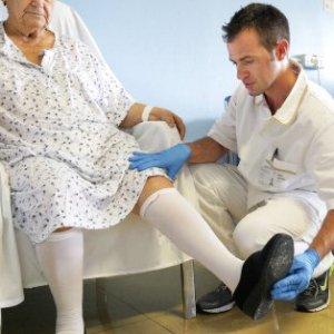 Ortopedia: 230.000 fratture all'anno. Italiani sempre più fragili