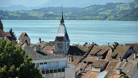 La legge svizzera: gli stranieri devono parlare tedesco, oppure essere ricchi