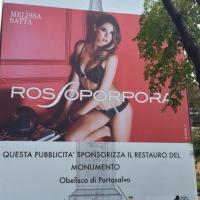 Pubblicità e monumenti, da Napoli a Venezia l'assalto degli sponsor