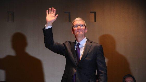 """Apple, Tim Cook alla Bocconi: """"Innovare rispettando l'ambiente"""""""