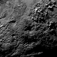 Plutone, le montagne potrebbero essere vulcani di ghiaccio:le nuove scoperte dalla Nasa