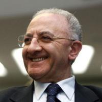 Campania, indagati per corruzione De Luca, Mastursi e un magistrato