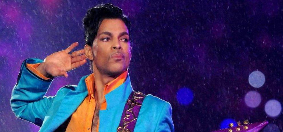 """Prince, la metamorfosi: """"Basta sesso, oggi canto anche per i figli dei miei fan"""""""