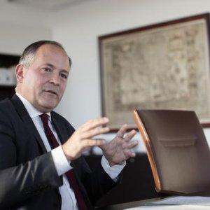 """Allarme Bce: """"I governi facciano di più"""". Roma? """"Prima tagli il debito"""""""