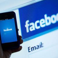 """Facebook, aumentano richieste governi su utenti: """"Ma soddisfatte solo la metà"""""""