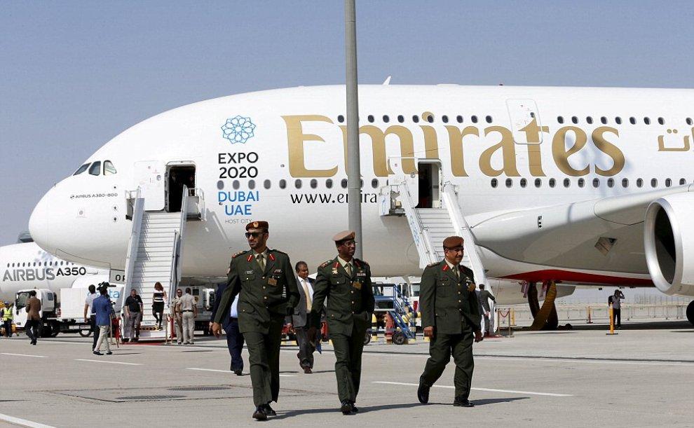 Emirates presenta il nuovo Airbus A380-800: con 615 posti a sedere è l'aereo più grande al mondo