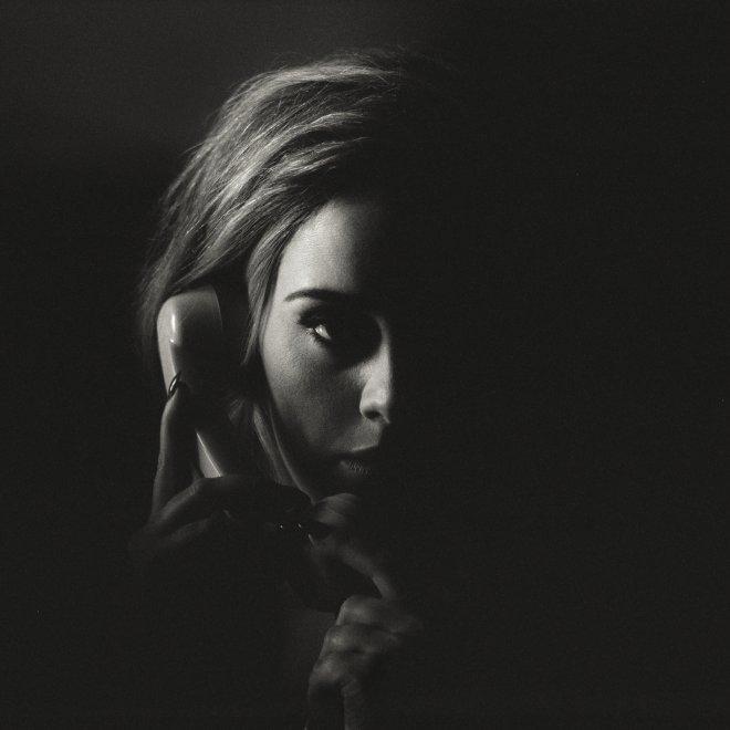 Adele annuncia il nuovo album su Fb: ''Mi spiace avervi fatto aspettare''