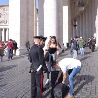 Vaticano: rafforzati i controlli in piazza San Pietro per l'Angelus di Papa Francesco