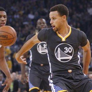 Basket, Nba: Golden State fa 11-0 contro i Nets di Bargnani, ko anche Gallinari