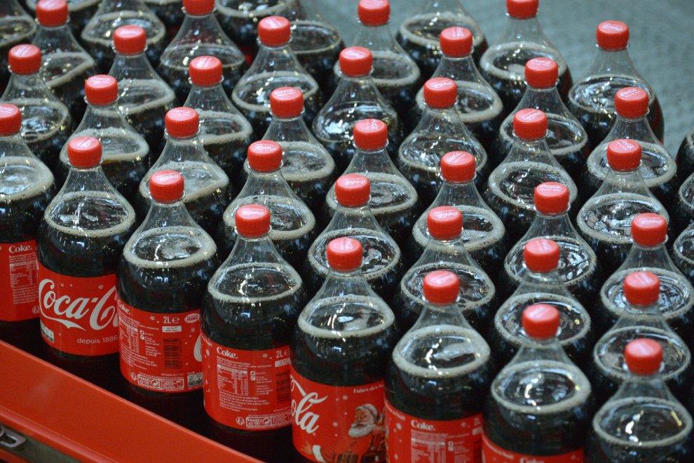 Cento anni di Coca Cola: metamorfosi della bottiglietta