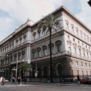 Intesa e Unicredit, accordi per vendere Bankitalia
