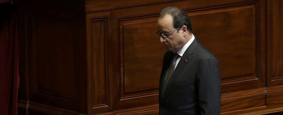 """Francia, sì unanime Ue all'assistenza militare. Putin: """"Unità russe e francesi alleate contro Is"""""""