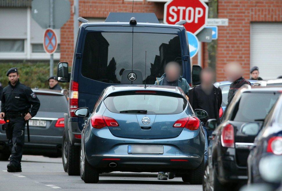 Attentati a Parigi, 7 arrestati e poi rilasciati in Germania