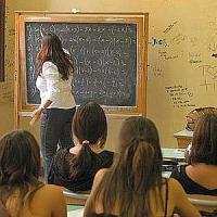 Cinquecento euro ai docenti: ecco cosa si potrà acquistare con la card dell'insegnante