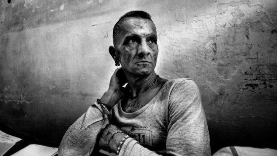 Saviano: dentro Poggioreale. Se questo è un carcere