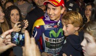 """MotoGp, Lorenzo show su Twitter: """"Mondiale meritato, conta solo vincere"""""""