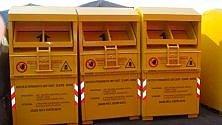 """Cassonetti gialli  per abiti usati  """"C'è il rischio  di tornare  a forme ingannevoli""""   di CARLO DE ANGELIS *"""