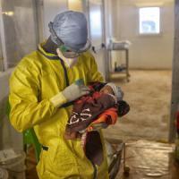 Ebola: guarita l'ultima paziente in Guinea, è una bimba di 21 giorni