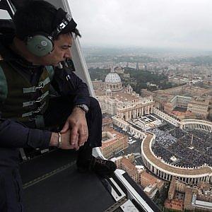 """""""Gli attentati di Parigi minacciano anche noi"""". Un italiano su due è pronto a cambiare stile di vita"""