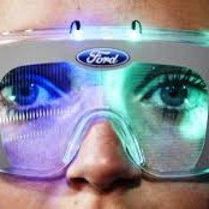 Ford, ecco la tuta che simula gli effetti negativi della droghe nella guida