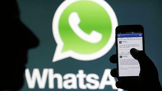 Parigi, una settimana di bufale: WhatsApp, i politici, i complottismi