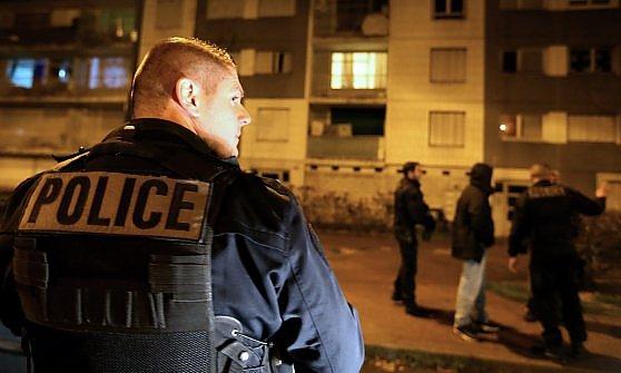 Sassi, droga e terrore: nella trincea di Sens, città del coprifuoco