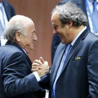Fifa, chiusa l'indagine su Blatter e Platini: chieste sanzioni per entrambi