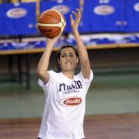 Basket, sul parquet con Miss Italia: allenamento speciale per le azzurre