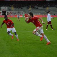 Serie B, Bari-Livorno 1-0: Maniero gol, pugliesi sempre secondi. Lo Spezia sceglie Di Carlo