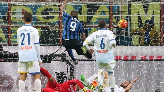 Inter-Frosinone 4-0:  nerazzurri soli al comando