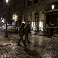 Bruxelles, blitz nella notte: 16 arresti nella notte. Salah Abdeslam è ancora in fuga