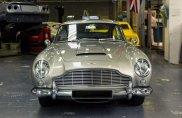 Essere 007, se un'Aston Martin non basta...