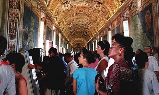 Cappella sistina: nel regno di Michelangelo, teatro dei Conclavi