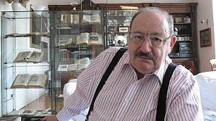"""Umberto Eco & C. : """"Siamo pazzi  ma diciamo addio a Mondazzoli"""""""